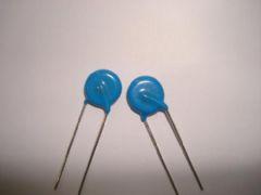 压敏电阻 14D102K