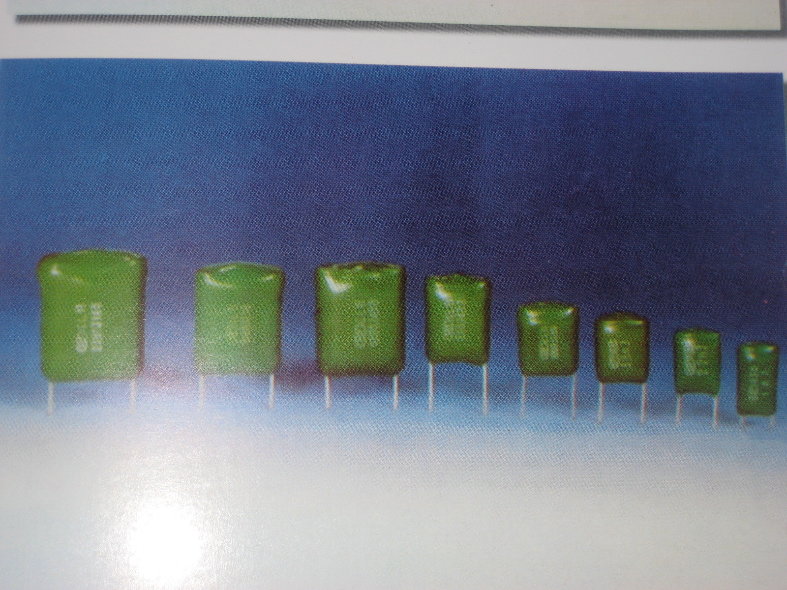 CL11聚酯膜电容器 CL11400V224 HY